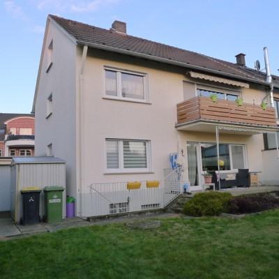 Kapitalanlage! Zweifamilienhaus mit Ausbaureserve in Niederkassel-Mondorf