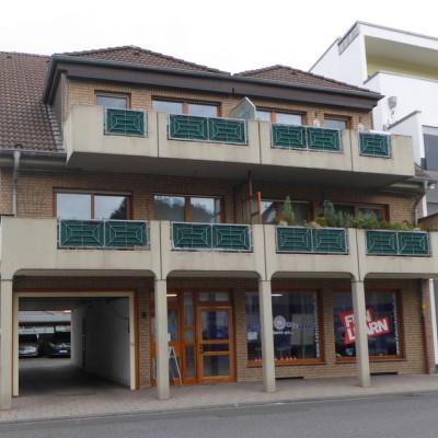 Dachgeschosswohnung mit Balkon und Carport in Niederkassel-Rheidt