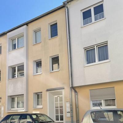 Kleine 2,5-Zimmerwohnung mit Balkon im Herzen von Troisdorf