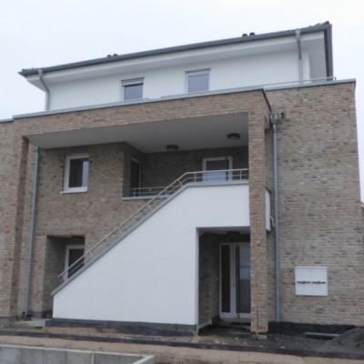 Moderne Maisonettewohnung mit TG-Stellplatz in Rheidt