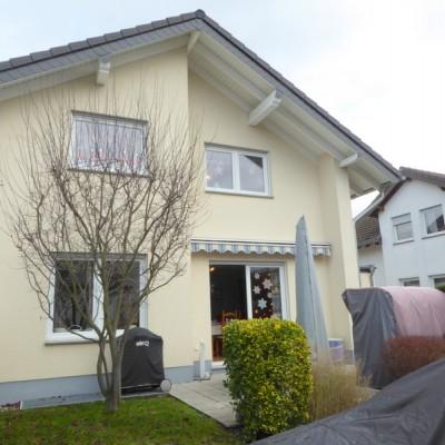 Doppelhaushälfte mit Garage in Rheidt, Rheinnähe