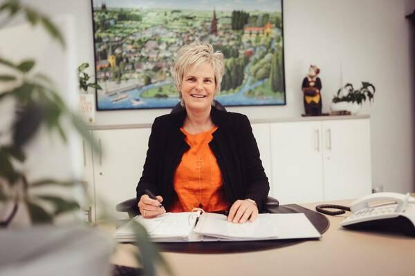 Iris Stocksiefen - Immobilienvermittlung (Kauf und Miete)